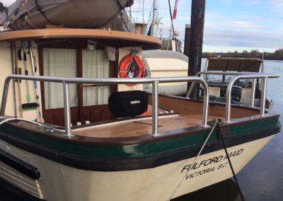 custom-boat-stainless-steel-railings-cedric-marina