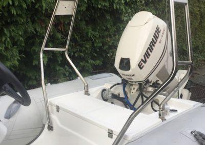 custom-railing-small-boat-cedric-marina